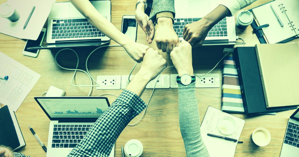 CLT proíbe diferença de remuneração para empregados que exercem funções iguais