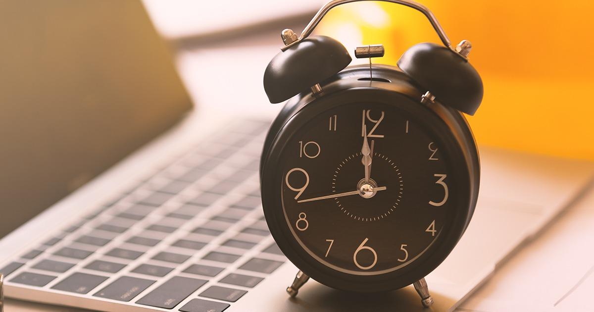 Falta de pagamento de horas extras justifica rescisão indireta de contrato de trabalho
