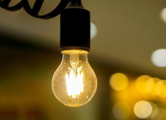 Lei proíbe o corte de água e energia elétrica nos finais de semana e feriados